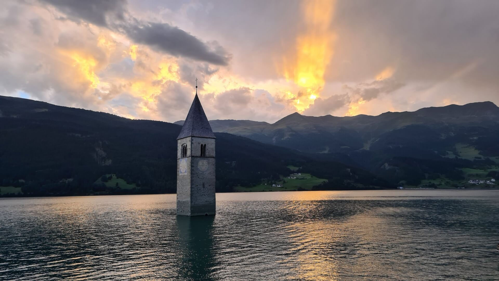 Versunkener Kirchturm Reschensee